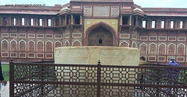 Bathtub-of-Jahangir-Agra-Fort