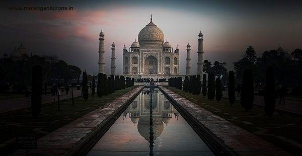 Taj-Mahal-Agra-at-Sunrise