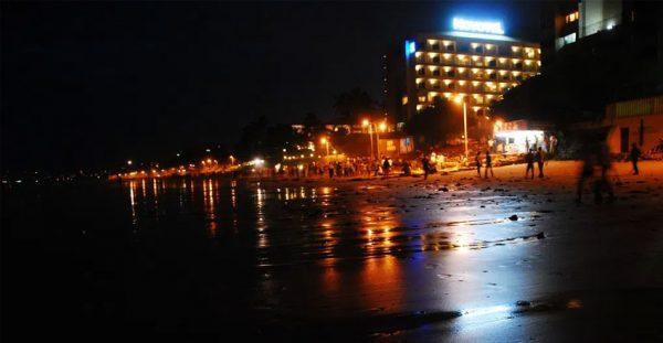 Juhu-Beach-Mumbai-in-Night